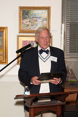 Bob Hessler, advisory board member and capital campaign co-chair, receives the Volunteer of the Year award